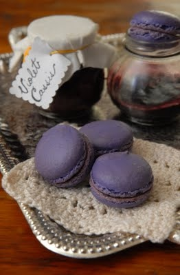 about French macaroons on Pinterest   French macaroons, Macaroons ...