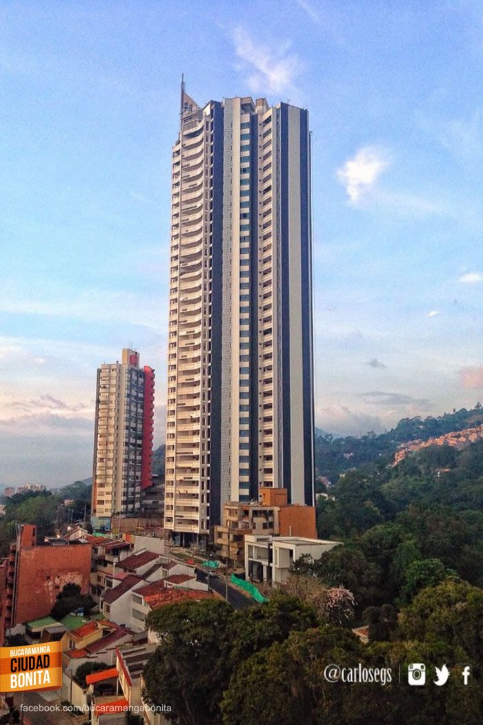 Y así se ve el Majestic, el edificio más alto de Bucaramanga. Gracias @carlosegs por la foto #bucaramangabonita