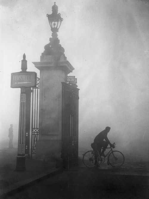 Thick fog in London's Hyde Park. 1938.
