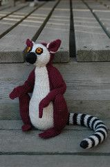 Hococo the Lemur pattern by Alan Dart - link page looks like it has gone to the wrong page; the link to the pdf is on the 1st line of the 2nd paragraph - Mare
