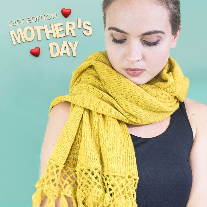 Did you find the perfect gift for Mother's Day this Sunday?  Give her the warmth of this scarf, just in time for winter!