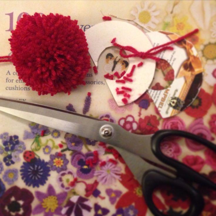 Making a Pom Pom for the Shortbread Bobble Hat. #knitting #handmade
