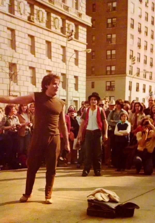 Robin Williams street performing in 1979.