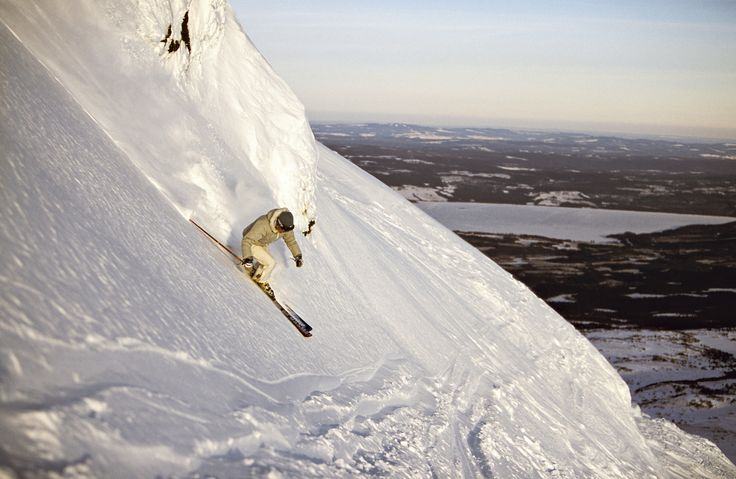 Powder skiing, Åre is one of Swedens largest and most popular winter and skii resorts. Photo by; Henrik Trygg