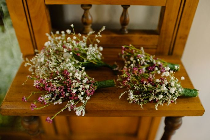 Why fynbos and Proteas are the perfect wedding decor. Need a clue? Truly South African wedding magic