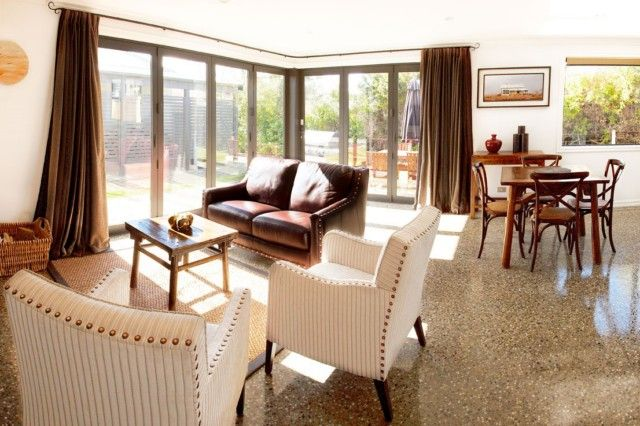 Pembroke Villa   Wanaka Holiday Houses
