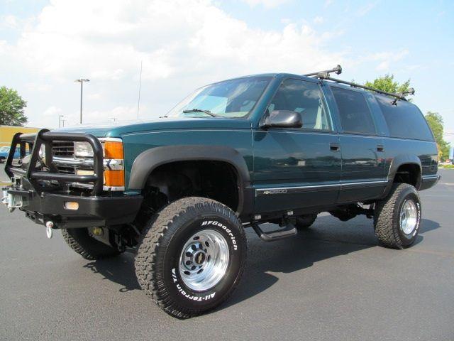 1999 Chevrolet Suburban K2500 - Photo 1 - Richmond, VA 23237