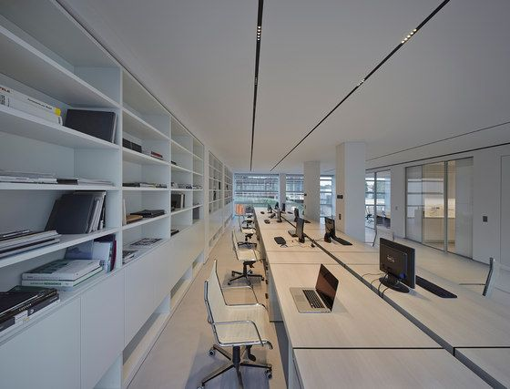 Our office is the place where we spend most of the day. We had in mind a space easily accessible from the high-way and effectively connected with the city..
