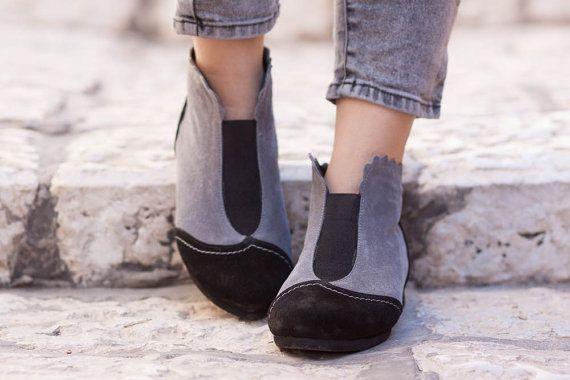 Nero e grigio camoscio stivali stivaletti stivaletti di BangiShop