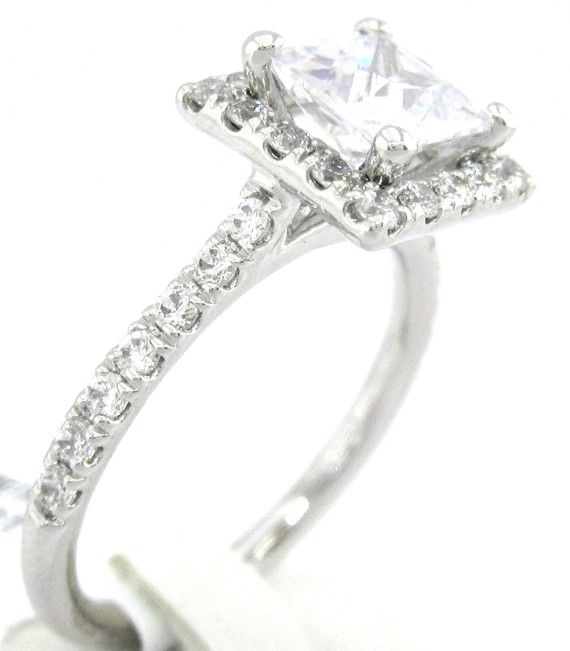 Princess cut diamond engagement ring