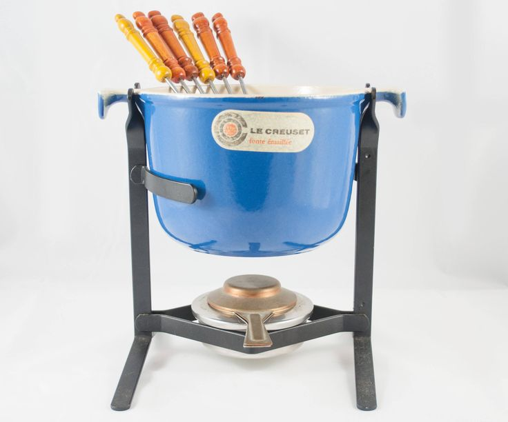 Bol à fondu Le Creuset pour le service a fondue en fonte bleu Le Creuset designer par Enzo Mari Mama de la boutique 3rvintages sur Etsy