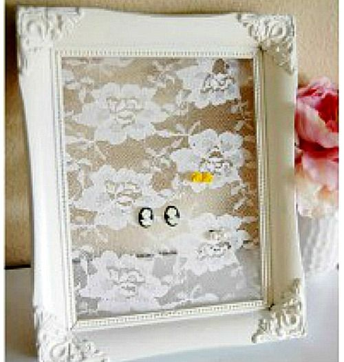 Picture frame crafts ideas using old picture frames in new ways. Ideas for recycling picture frames include making a table, loom, tray, earring or bow holder. Picture frame crafts for kids and adults.