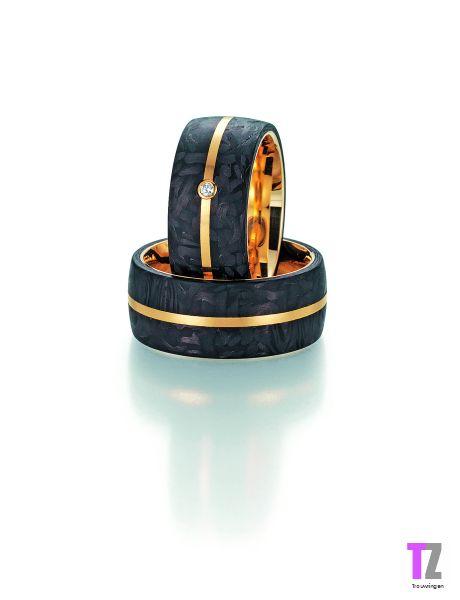 Trouwringen In Apricot Goud Ingelegd Met Carbon Deze Ringen