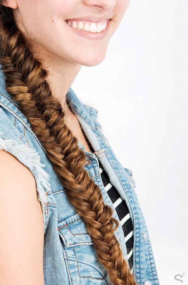 5-minute, Step by Step Hair Tutorial: The Herringbone Braid (similar to the fishtail braid)