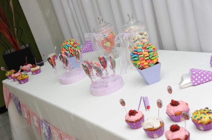 Presentación del candy bar en la mesa