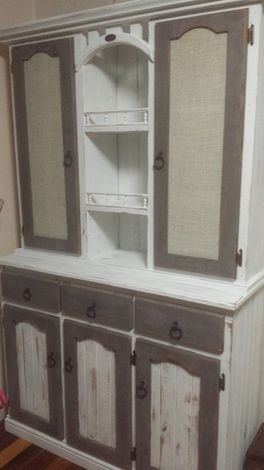 Chalk Paint Introductory Classes offered at Vast Interior Townsville using Mezzie & Frank Chalk Effects Paint range