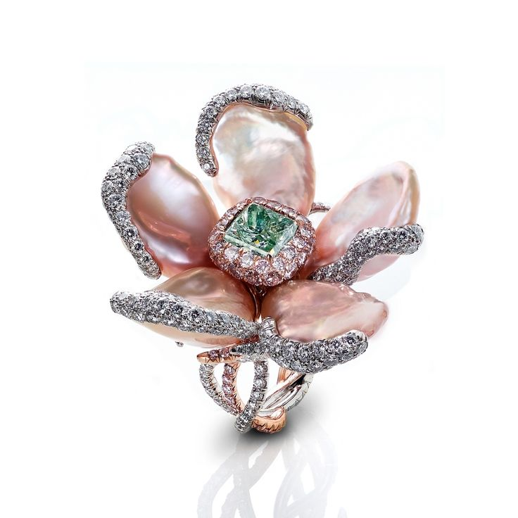 Leviev Radiant-Cut Fancy Green Diamond and Keshi Pearl Ring | Editorialist