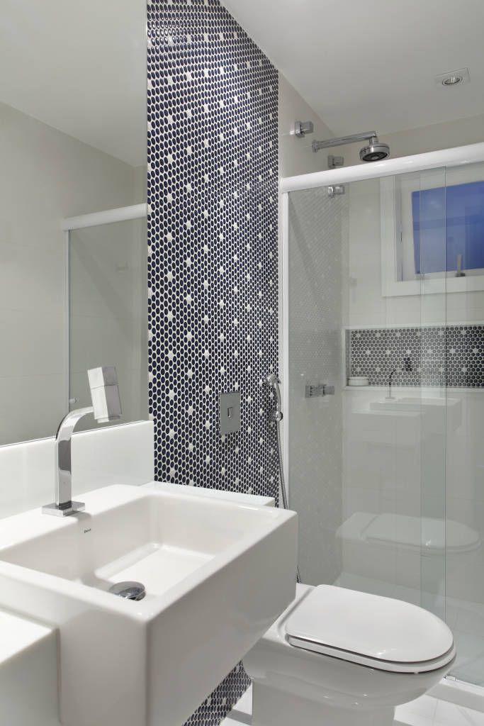 Navegue por fotos de Banheiros Moderno: Casa Jardim Ubá VM. Veja fotos com as melhores ideias e inspirações para criar uma casa perfeita.