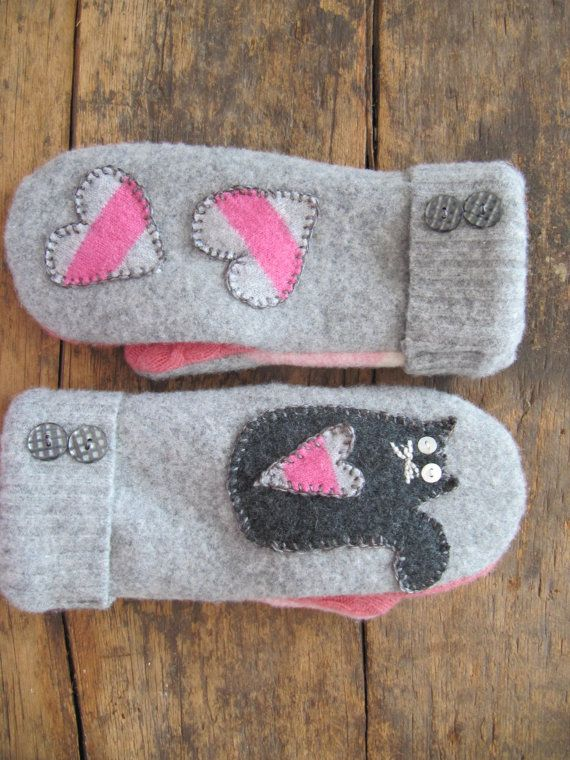 Felted mittens in pink and grey with an appliqué by SewSweetClover
