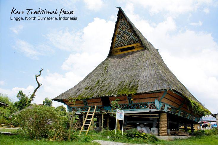 rumah adat karo di Desa Budaya Lingga
