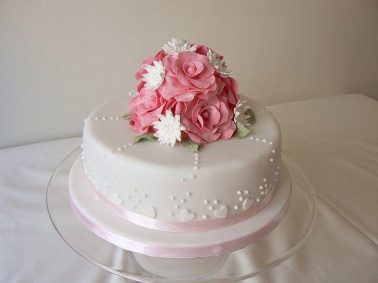 Simple Wedding Cake Photos