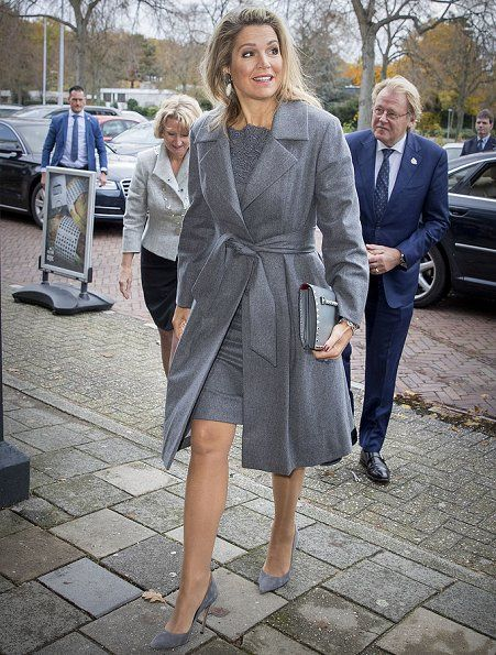 18 November 2016 - Queen Maxima attends the presentation of 2016 SME report in Voorschoten - shoes by Gianvito Rossi, clutch by Valentino