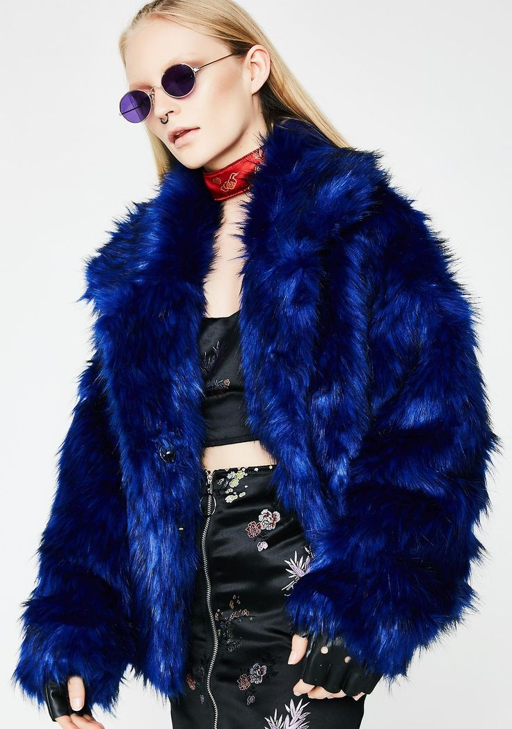 Easy Breezy Fuzzy Coat will keep ya cozy af. Stay cute in this fluffy blue coat has a button up front closure and a wide collar.