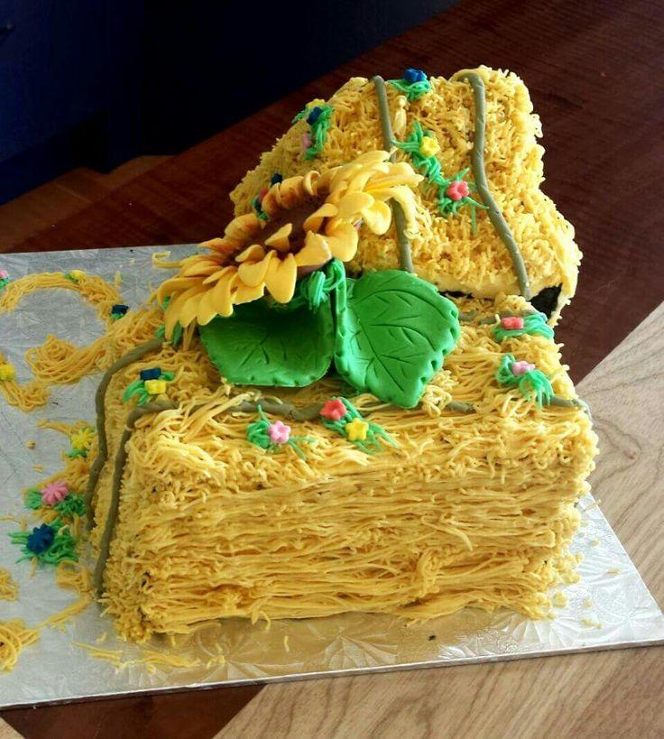 Hay bale and sunflower cake