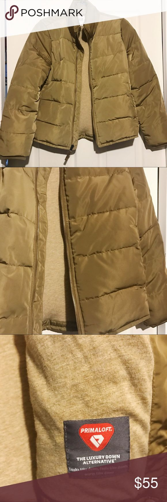 Gap Zip Up Puffer Jacket Tan Sz Small petite Gap / Zip Up Puffer Jacket / color: Tan-camel / with primaloft, a luxury down alternative / Sz Small Petite GAP Jackets & Coats Puffers