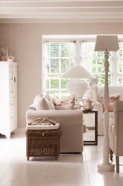 25 beste idee n over romantische slaapkamer kleuren op for Lichte kleuren interieur
