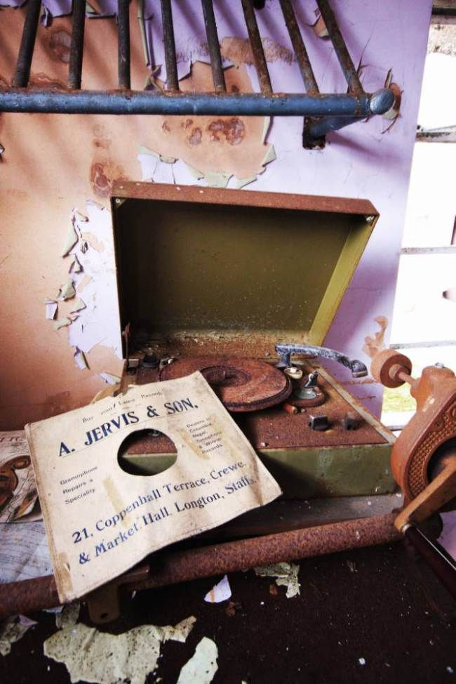 A record player at North Wales County Pauper Lunatic Asylum at North Wales Hospital (Picture: Mark Davis/Guzelian)
