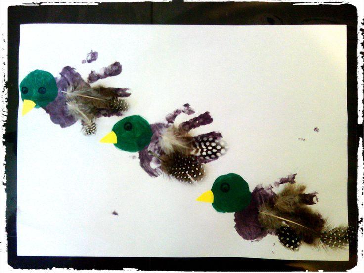 bricolage enfant, canard, oiseaux, empreintes de mains