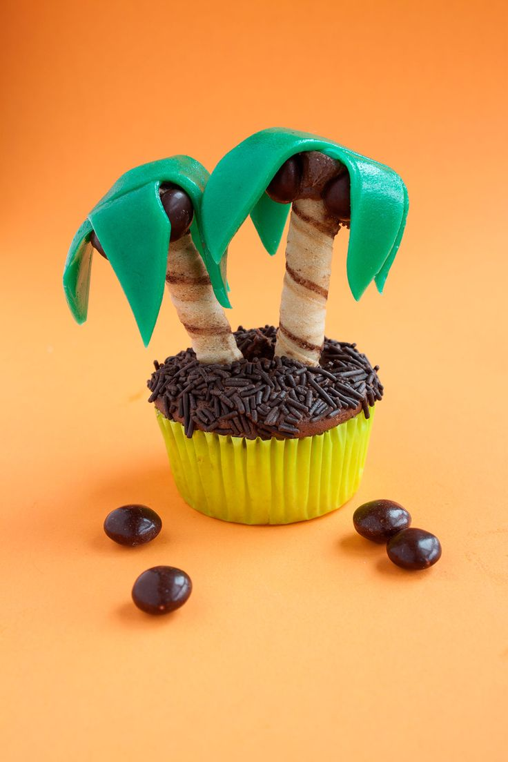 DIY Edible Palm Trees. Perfect for a summer party!
