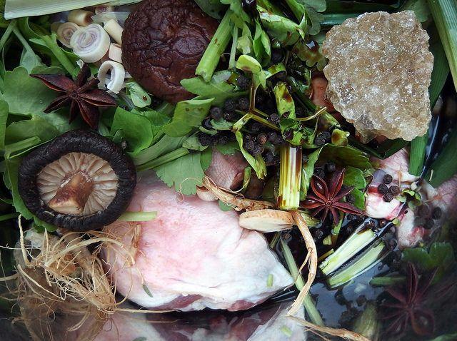 Pok Pok recept: bouillon van eend (Kuaytiaw Pet Tuun)