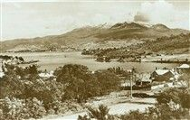 Hobart and Mount Wellington in Tamania in the 1930s.
