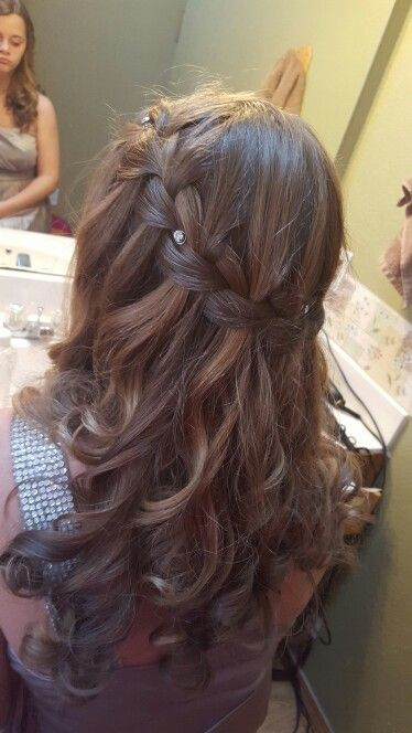 looking for different hair styles 25 best ideas about waterfall braid curls on 3391 | c19bb44b3391c7cc617ad813f14050e3 pretty hairstyles braided hairstyles