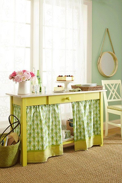 curtain around girls desk