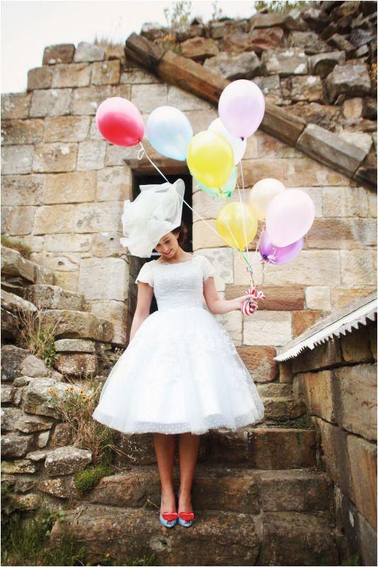 found via love my dress wedding blog; styling by Fine & Funky Events; photo credit: photography by Helen Russell