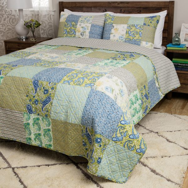these cotton vintage jade quilt sets display an intricate patchwork design in a green and blue pattern regardless of size each epiece set is generously