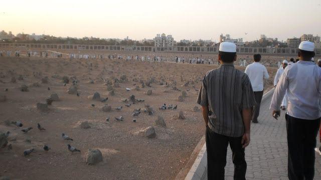 """inilah hikmah dan dalil anjuran rasulullah kepada umatnya """"ziarah kubur""""  sunnah nabi"""