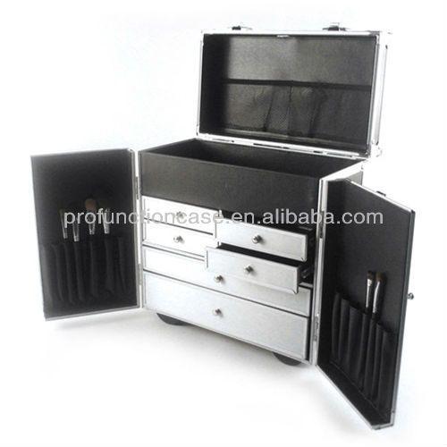 63 best makeup cases images on pinterest makeup case make up looks and makeup storage. Black Bedroom Furniture Sets. Home Design Ideas