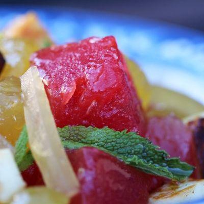 Salade met watermeloen, munt en halloumi