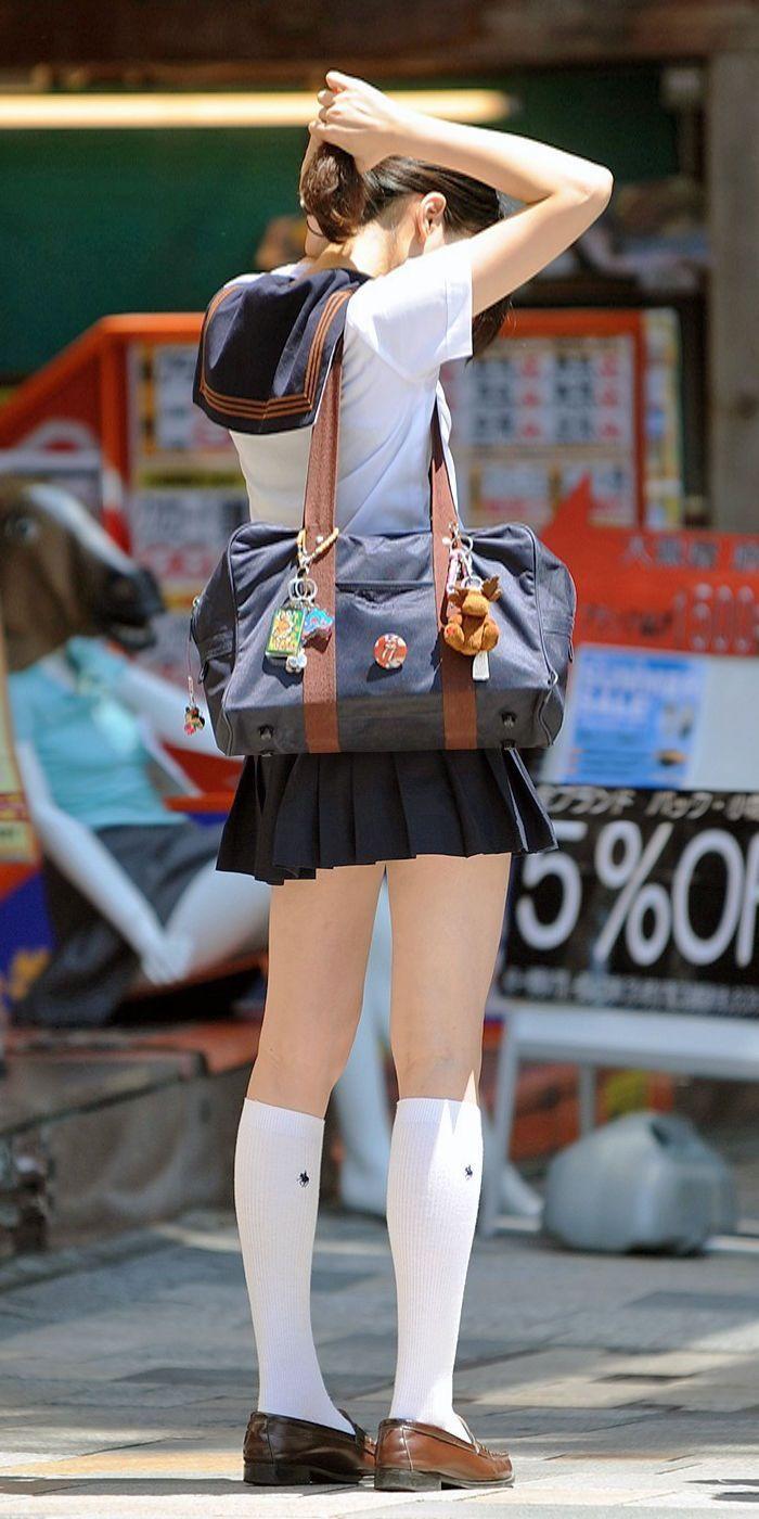 mnky:  女子高生の太ももってなんであんなにエロいんだろうな……   爆笑VIP速報-2chまとめブログ-