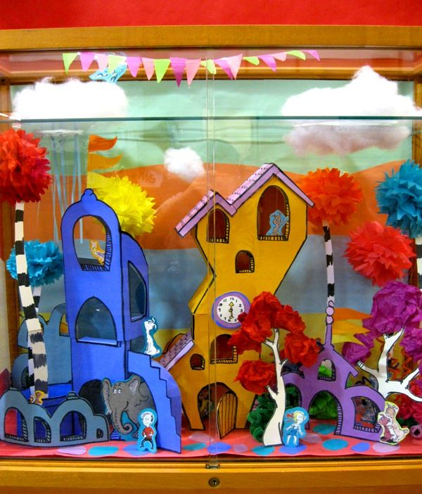 I Spy Display Case: Seuss Theme.  Low Maintenance Library Program you can leave up for a month or more in a display case.: Bulletin Board, Cases, Display Case, Spy Display, Dr. Seuss, I Spy, Library Idea