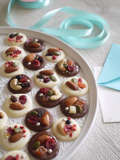 今年のバレンタインは何を作るかお決まりですか?日頃お世話になっている人たちへお配りすることが定番化している近年では、沢山のお菓子を準備する人も多いのでは?そんな方へぴったりのレシピをご紹介いたします。