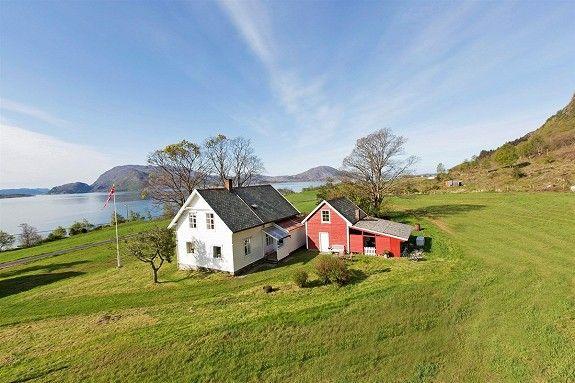 Underset<br />6984 Stongfjorden<br />Eigedomen er eit eldre gardstun på Underset i Asvoll kommune. E... - Se hele annonsen på FINN.no 1,750,000