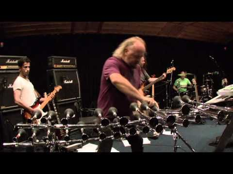 royalmlm.wellnesscoffee.eu ▶ Bill Bailey's message to Metallica - YouTube