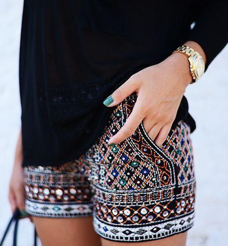 Shorts bordado, apliques, pedraria
