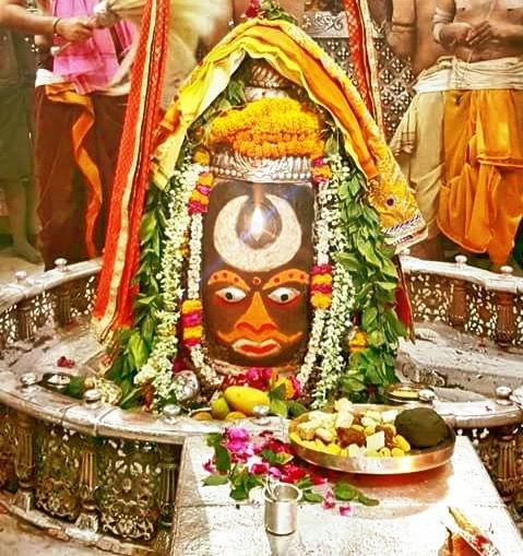 #Bhasma #Aarti pic of Shree #Mahakal #Ujjain - Apr. 03                Follow our FB page: www.facebook.com/ujjaintravel  #शिव #उज्जैन #महाकाल #ॐ #mahakal#mahakalcity #ujjain #loveujjain #ujjaindiaries#Mahakaleshwar #shiv #shivratri #shiva#omnamahshivay #bholenath #jaimahakal#jaibholenath #harharmahadev #mahadev #travel#tourism #MPTourism #ujjain_travel #temple