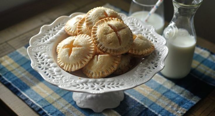 Everything is better in miniature form, especially if that means you get to enjoy extra pie crust. These adorable cookies look just like tiny apple pies and taste exactly like the all-American fall staple. Although the process requires a little effort and...